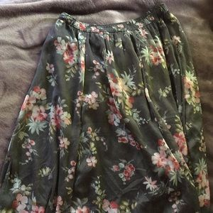 Hollister maxi skirt